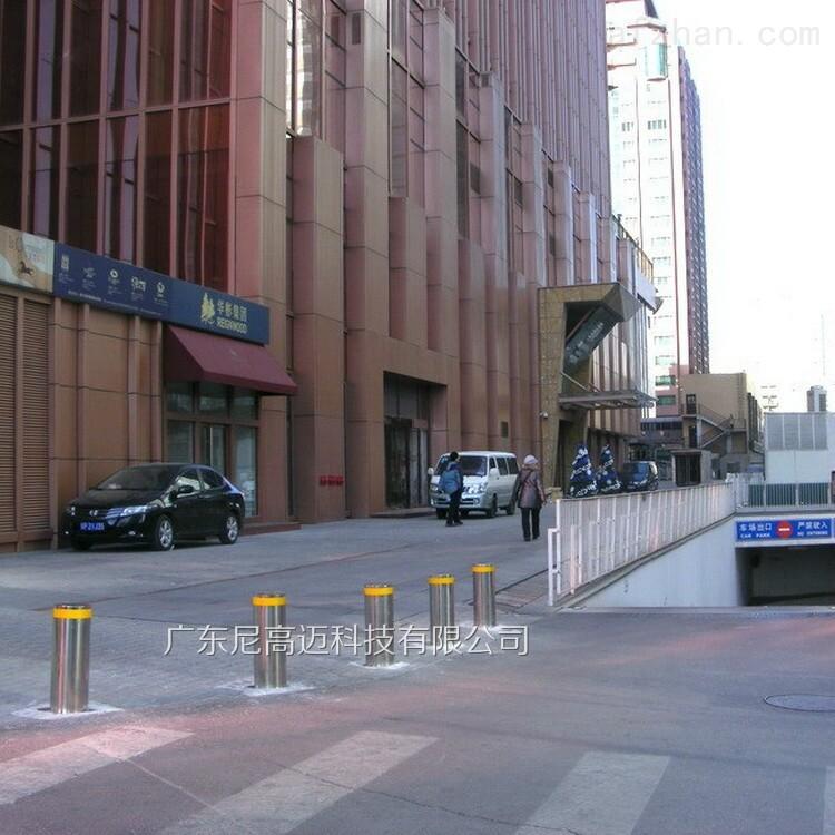 大门拦截伸缩柱子,广州升降柱厂家