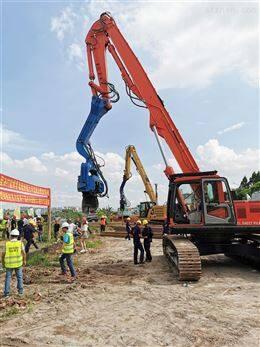 十堰挖掘机专业18米、15米打桩臂放心实惠