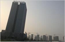 高楼坠物易酿事故 如何避免悲剧重演?
